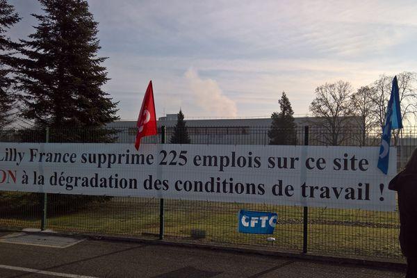 Manifestation devant l'usine de Fegersheim (7/02/2019)