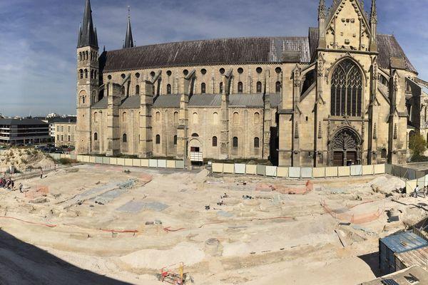 A Reims, plus d'un millier de visiteurs ont pu découvrir le chantier de fouilles archéologiques au pied de la basilique Saint-Remi.