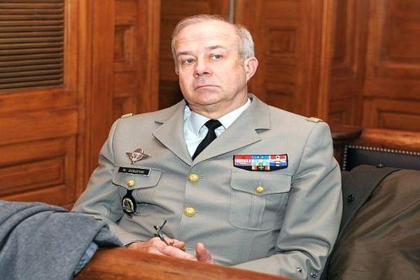 Montpellier - le général de corps d'armée Jean-Marc Duquesne témoin dans le procès en appel de la fusillade du 3e RPIMa - 5 décembre 2013.