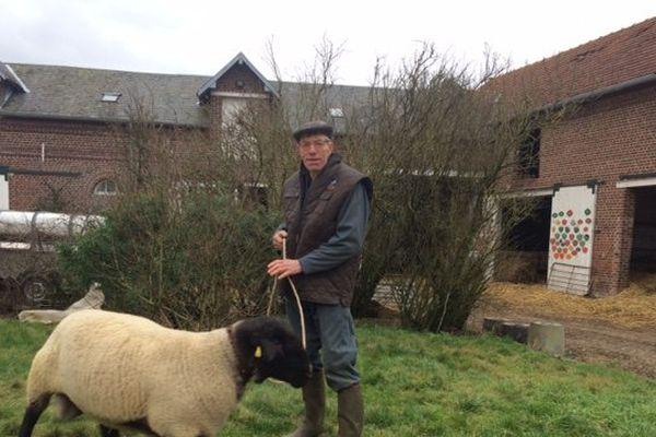 Laurent, éleveur de moutons à Catigny dans l'Oise
