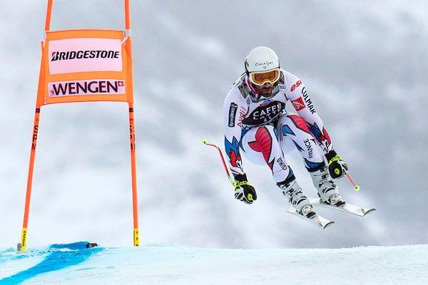 Le Français Adrien Theaux pendant l'entraînement avant une épreuve de la Coupe du monde de ski alpin en Suisse.