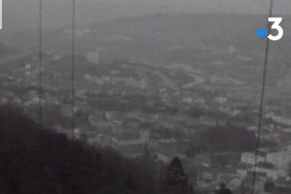 Une vue imprenable depuis la tour panoramique sur Nancy et ses environs au début des années 70.