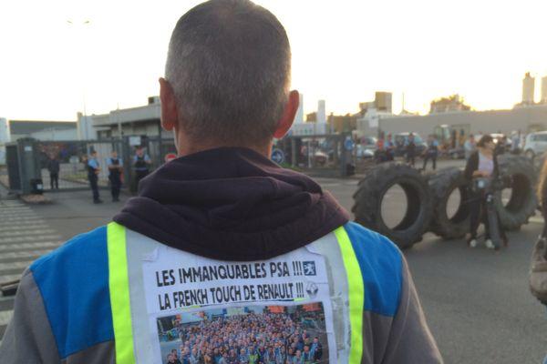 Les GM&S bloquent la fonderie PSA de Setpfonds, dans l'Allier, depuis mercredi 5 juillet, 6h00. Ils entendent ainsi peser sur les négociations qui, à leurs yeux, n'avancent pas suffisamment.