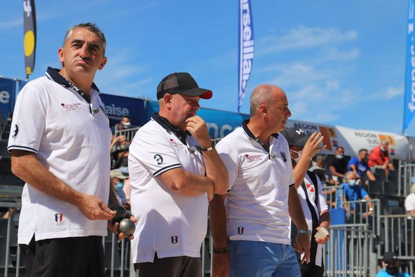 L'équipe Weibel en plein doute lors de son 32e de finale.