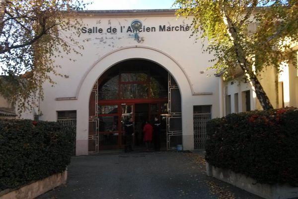 Les enfants ont été mis à l'abri dans la salle de l'Ancien Marché de Randan.