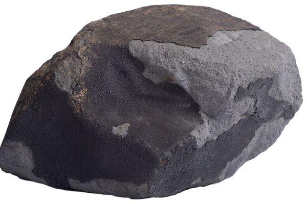 La météorite d'Ornans a frappé le sol de la vallée de Lavaux le 11 juillet 1868, creusant un trou de 30 centimètres.