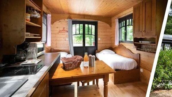 Les roulottes transformées en de petites chambres d'hôtel !