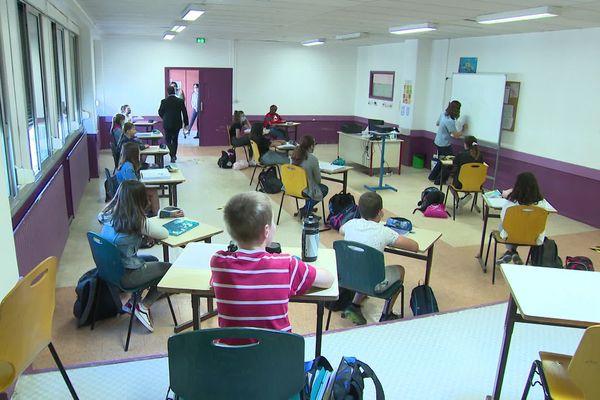 Après une reprise progressive, tous les élèves d'écoles et de collèges vont revenir en classe.