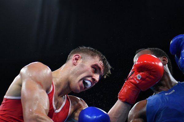 Le boxeur héninois Mathieu Bauderlique vainqueur du Colombien Juan Carlos Carrillo.