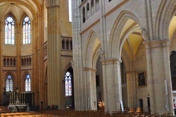 La cathédrale Saint-Bénigne de Dijon est une cathédrale de style gothique du XIII ème siècle