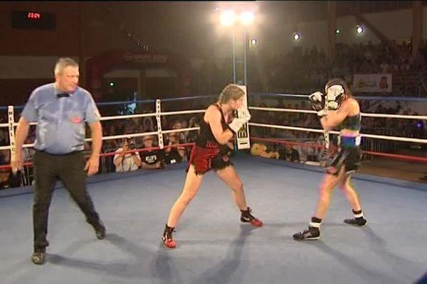 Angélique Duchemin sacrée championne du monde des poids plume en boxe anglaise - 12 mai 2017