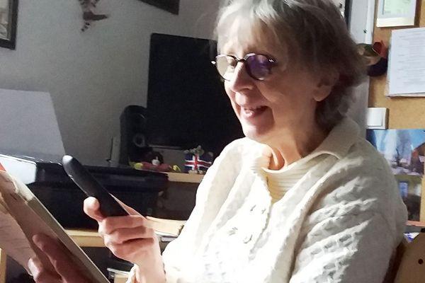 Francine, du Théâtre de l'Ecale, en lecture téléphonée pendant le confinement