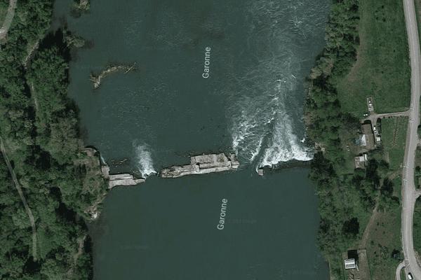 Le barrage de Beauregard, sur la Garonne, à Boé.