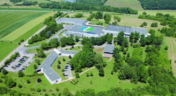 Les laboratoires Lehning se sont très vite lancés dans la production et la distribution gratuite de solutions hydroalcooliques.