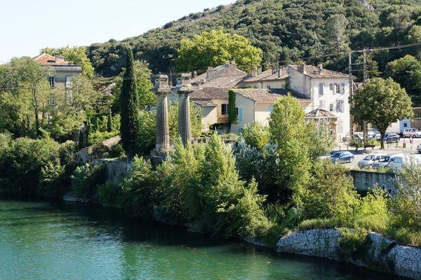 Le drame s'est déroulé au bord du Gardon, près du pont de la commune de Remoulins, dans le Gard.