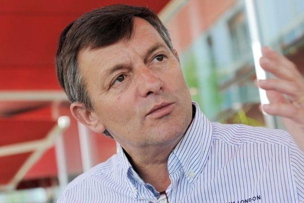 Bruno Cathelinais quitte ses fonctions de président du directoire du Groupe Beneteau