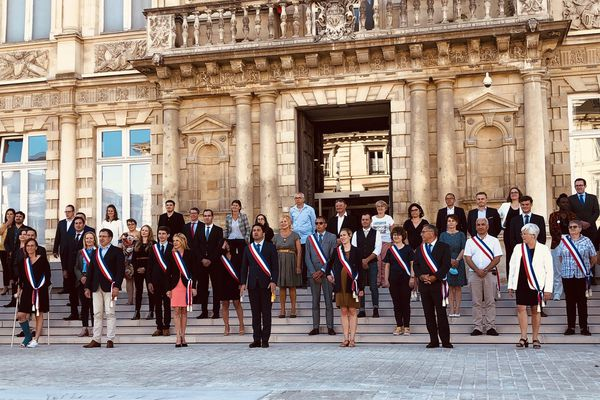 Les élus du conseil municipal de Reims le 28 mai 2020.