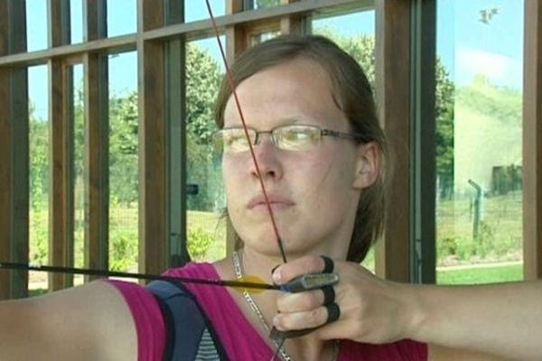 Aurélie Carlier, membre de l'équipe de France féminine de tir à l'arc classique