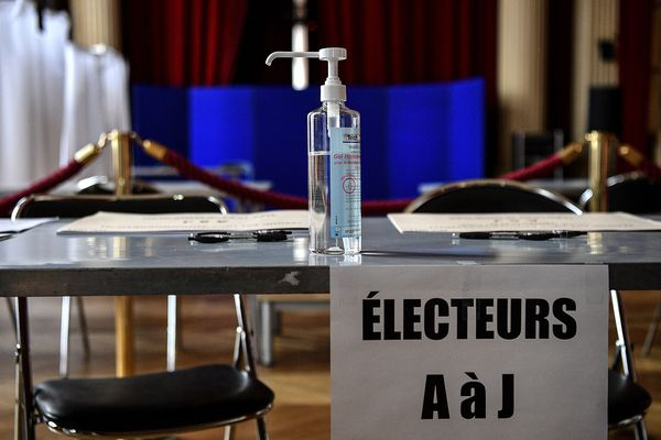 Un bureau de vote à Paris (image d'illustration)