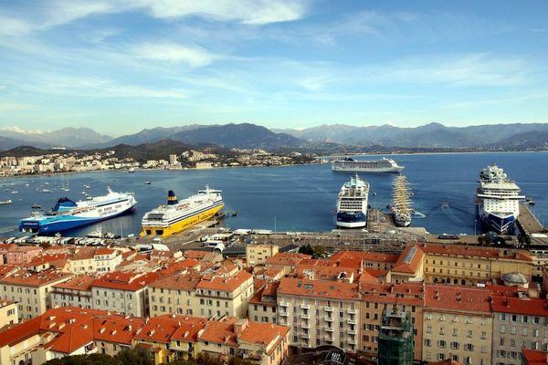À compter du 19 décembre, les tests deviennent obligatoires pour se rendre en Corse durant les fêtes.