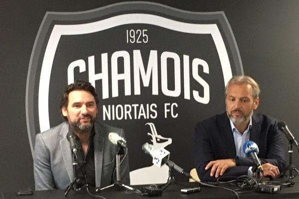 Le nouveau coach Sébastien Desabre (à droite sur la photo) a été présenté à la presse par Karim Fradin, le président du club