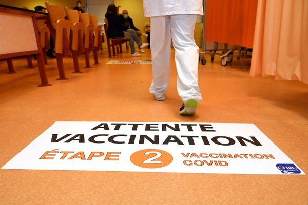 27 000 doses du vaccin Pfizer vont être administrées dans 90 centres répartis dans les cinq départements des Hauts-de-France ce week-end.