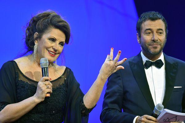Samedi 13 janvier, Christiane Lillio présentait le 8e concours Miss Prestige National aux côtés de l'animateur Bernard Montiel.