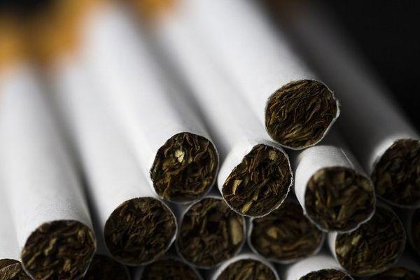 De très nombreux paquets de cigarettes volés dans un camion de livraison