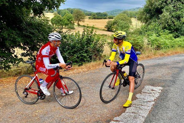 Pause pour Théo Menant et son ami Lucas Aumenier pendant leur session entraînement.