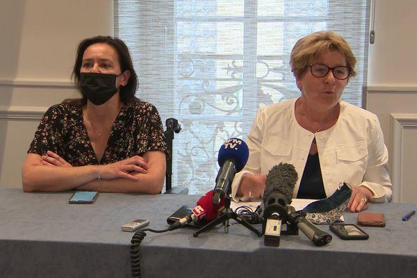 Stéphanie Modde (EELV) et Marie-Guite Dufay (PS) le lundi 21 juin lors de l'annonce de la fusion de leurs listes.