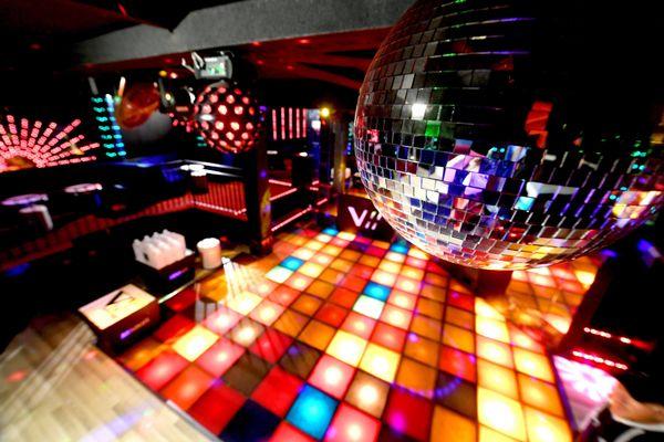 Les discothèques, fermées depuis la mi-mars, ne peuvent toujours pas rouvrir.