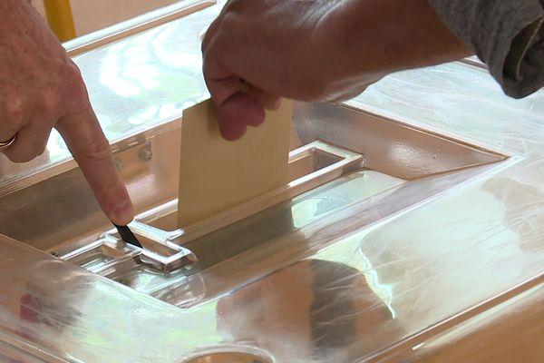 Les bureaux de vote à Bordeaux sont ouverts jusqu'à 20 heures.