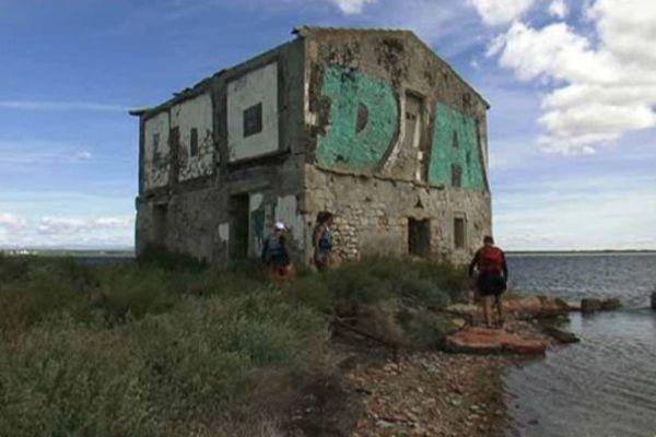 L'Avranches, célèbre maison qui semble posée sur l'étang de l'Or à Mauguio, passe cette année le cap des 300 ans