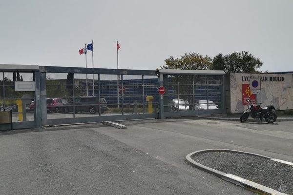 Béziers - En avril dernier, un membre du personnel du lycée Jean-Moulin s'est pendu - novembre 2019
