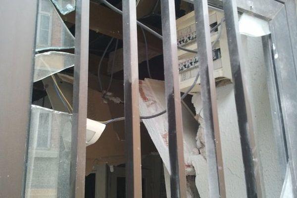 Carcassonne - la permanence PS attaquée à l'explosif, une action revendiquée par le CRAV - 17 juillet 2013.