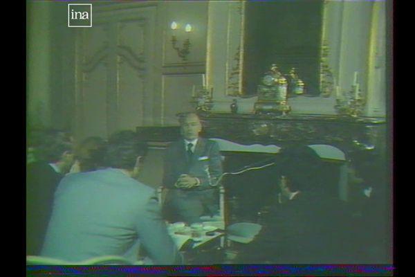 Entretien avec des journalistes de France 3 Bourgogne, à la Préfecture de Côte-d'Or, le 26 janvier 1978