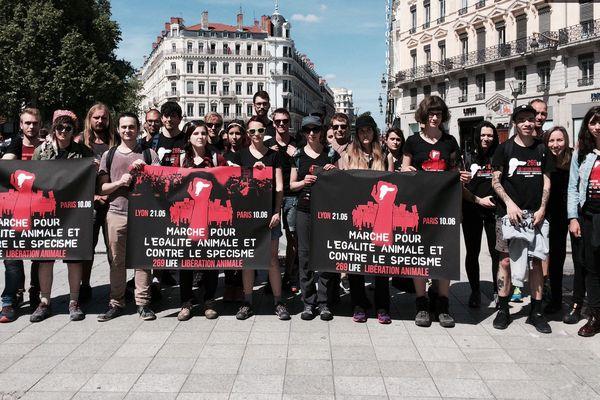 Les marcheurs au départ de Lyon, le 21 mai