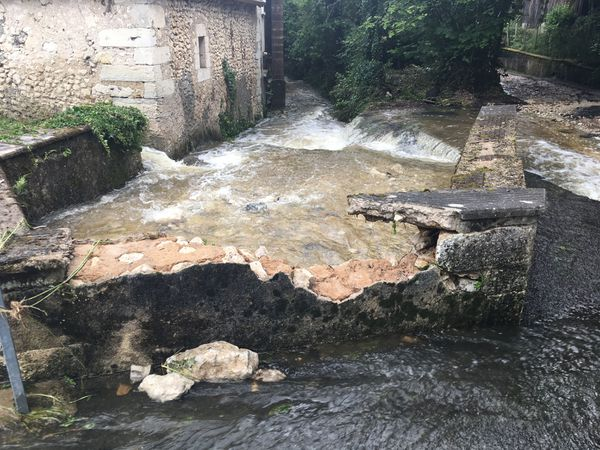 A Montrem, les niveaux d'eau atteignent des records rarement vus suite aux orages
