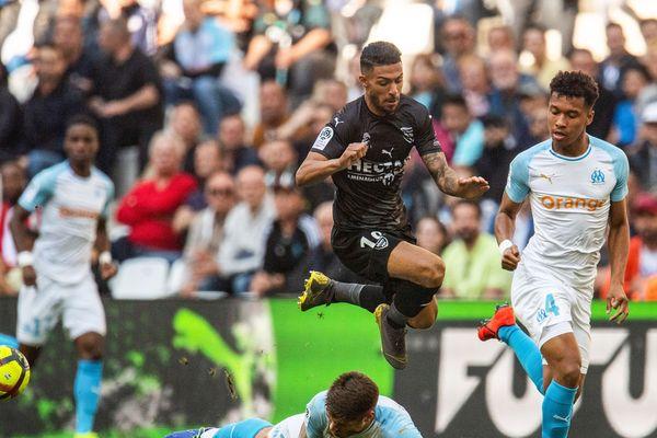 Nîmes battu 2 à 1 à Marseille au Stade Vélodrome.