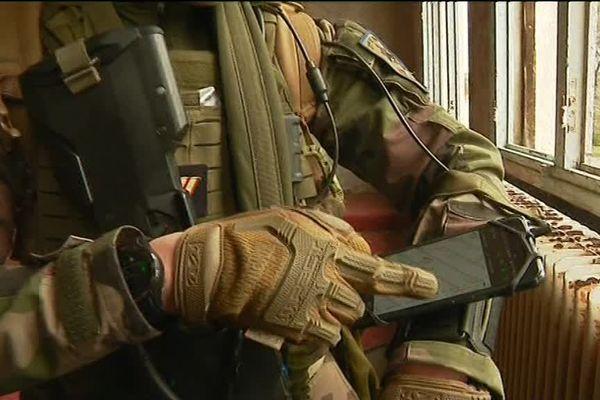 L'armée se met à l'heure des portables.