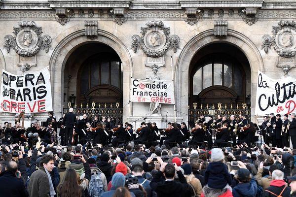 Les grévistes de l'Opéra de Paris en concert ce samedi 18 janvier