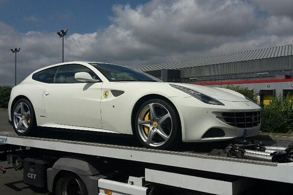 L'automobiliste roulait à 183 km/h au lieu de 90km/h dans la Sarthe, son permis et sa Ferrari sont restés à la gendarmerie !