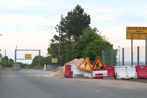 Une partie de la route est fermée à la circulation depuis 2016