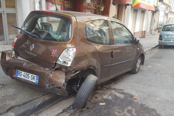 Une dizaine de voitures ont été embouties par un chauffard ivre dans la nuit de mercredi à jeudi à Toulon.