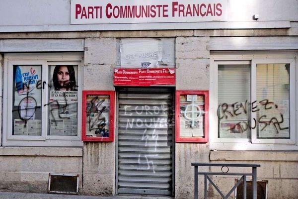 Les locaux du PCF vandalisés à Vienne dans la nuit du vendredi 8 au samedi 9 février 2019.