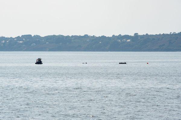 La Marine nationale lors d'une opération de pétardement au large de Brest