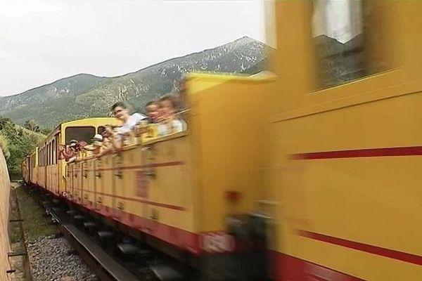 La montée en train jaune dans les Pyrénées est une activité touristique phare du Pays catalan.