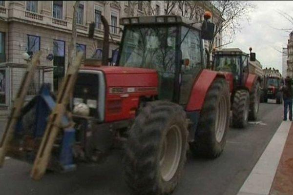 Des tracteurs dans la ville, le 12 avril