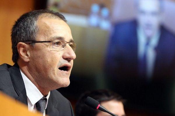 L'indépendantiste Jean-Guy Talamoni, président de l'Assemblée de Corse, lors de son discours d'installation, le 17 décembre 2015