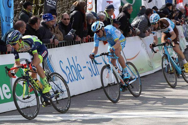66e edition du Circuit Cycliste Sarthe - Pays de la Loire. 3ème étape - Abbaye de l'Epau - Pré en Pail St Samson - Guillaume Martin (FRA) Wanty Groupe Gobert dans la Montée des Avaloirs